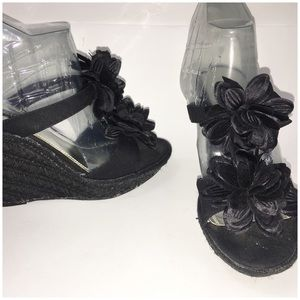 WHBM Black slip on wedge floral vamp 7 M
